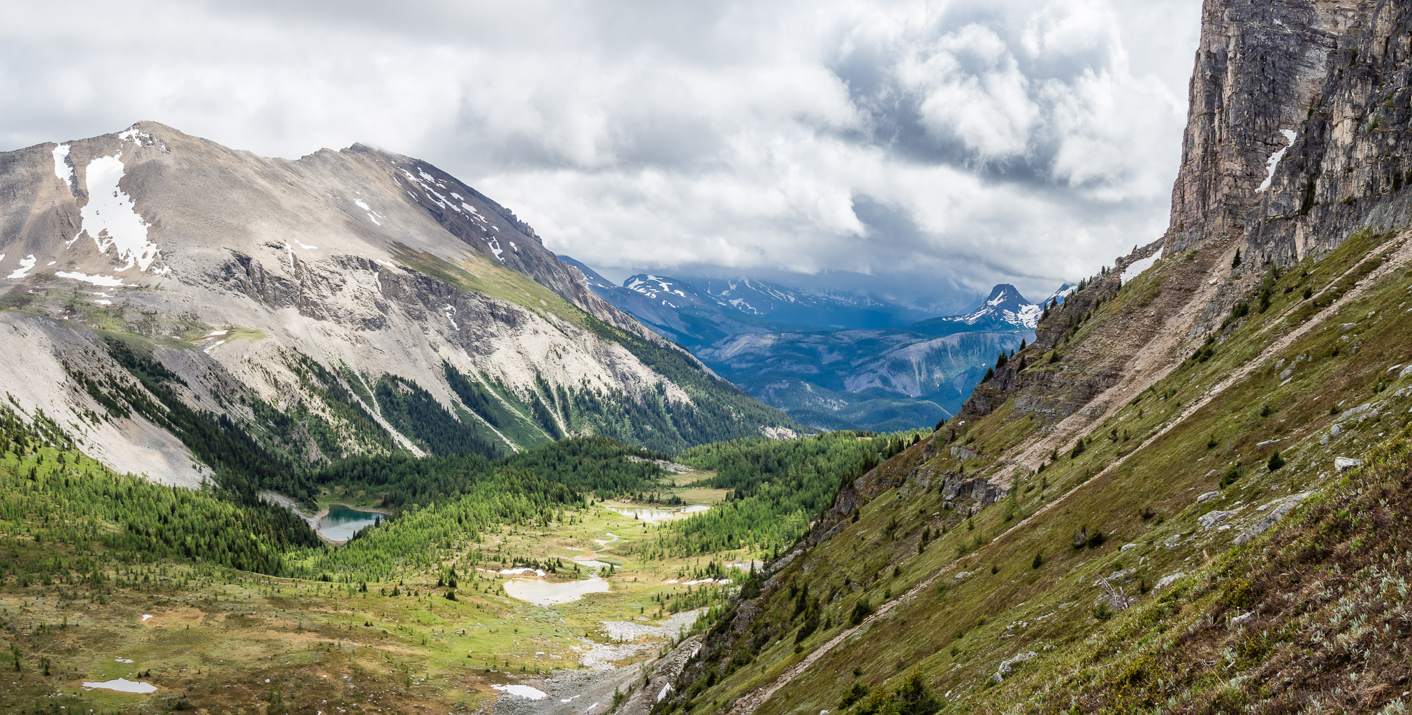 Looking past the eastern cliffs of Citadel towards Golden Mountain (L) and an outlier of Nub Peak at distant right.